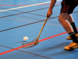 426503-floorball-action
